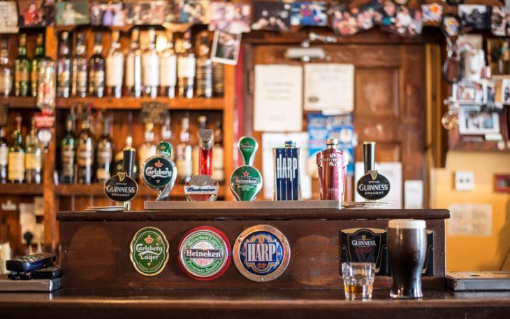 Binge drinkers suck down 17.5 billion drinks a year